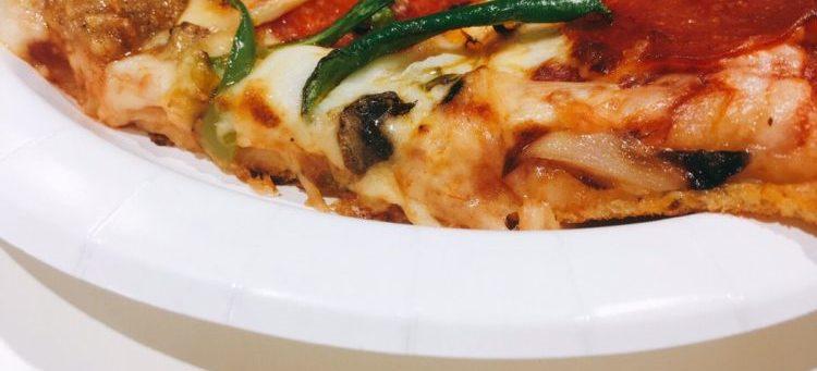 スライスピザの厚み